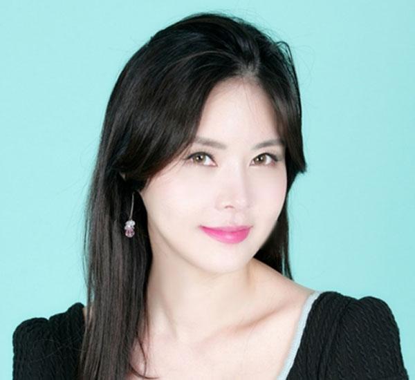 김채현 • 아나운서 작가