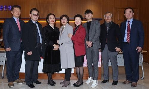 """""""我生活的故事""""韩国女性舆论协会在釜山市举行第六届""""话沙龙""""活动"""